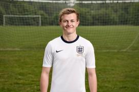 Туит на английски футболист показа екипите на Nike за Англия