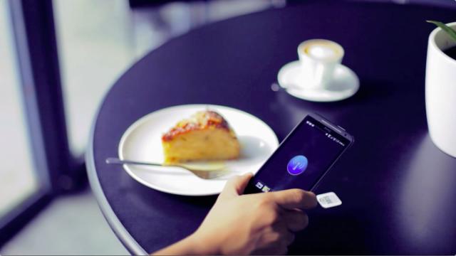 Можете да програмирате тагове с локации, да се подсетите да се обадите на майка си или да получите достъп до Wi-Fi мрежата в някое заведение.