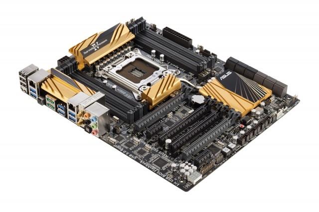 Страхотна нова дънна платка X79-Deluxe за Intel Core i7 от Asus