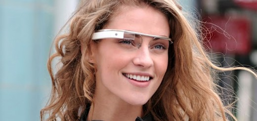 Google дава на пет организации очилата си Google Glass