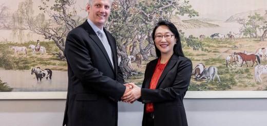 Google и HTC обявяват споразумение за сътрудничество на стойност 1,1 милиарда долара