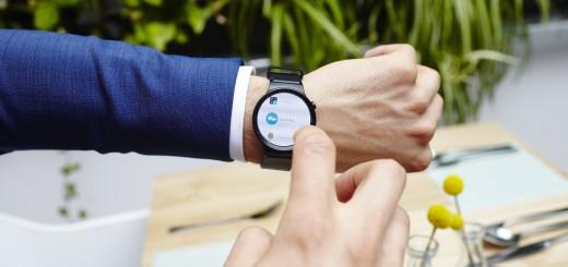 Смартфон и умен часовник – две добри решения