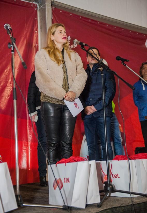 Iliyana Zaharieva, direktor Korporativni komunikacii v Mtel, pozdravi parvite posetiteli na Mtel Rink
