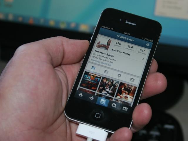 Instagram позволява добавяне на тагове на снимки