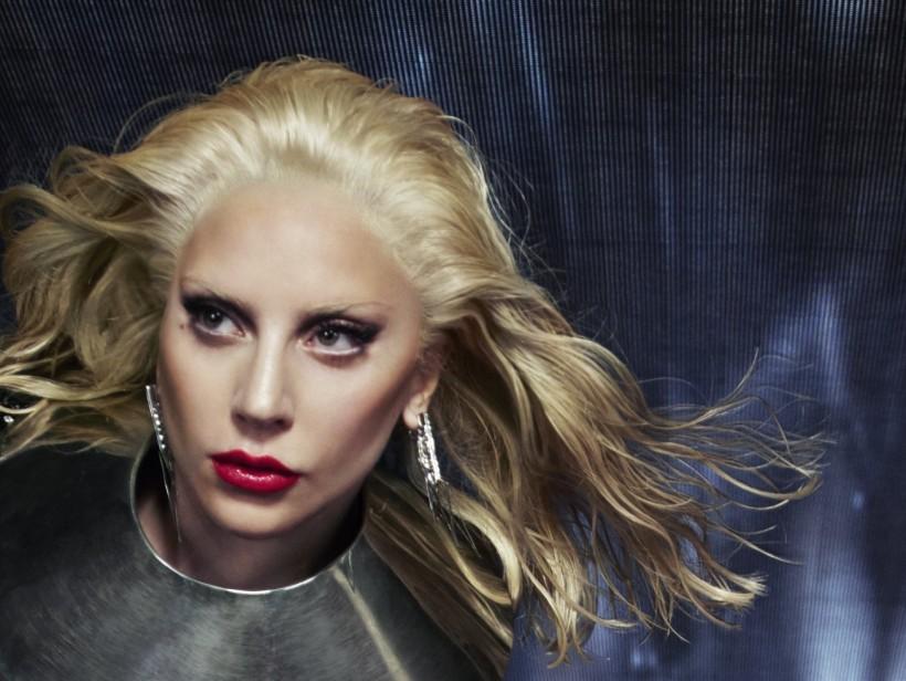 Intel си сътрудничи с Лейди Гага за Наградите Grammy 2016