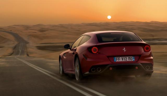 iPad mini влиза във Ferrari