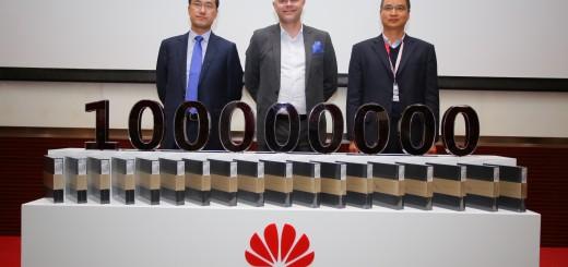 Huawei със 100 милиона продадени смартфона за 2015 г.