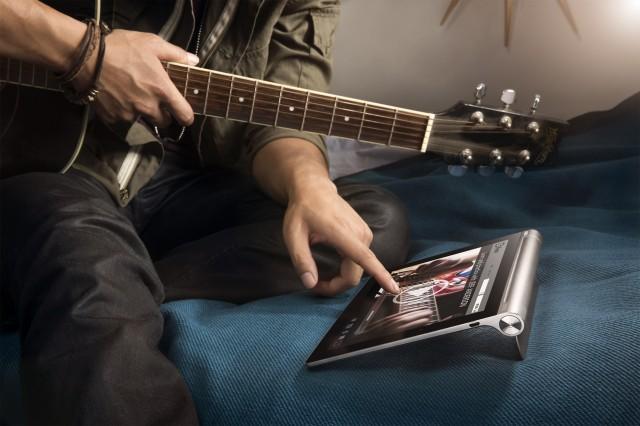 Първият хибриден таблет Yoga на Lenovo вече е в България