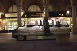 Mercedes-Benz и невидимите коли