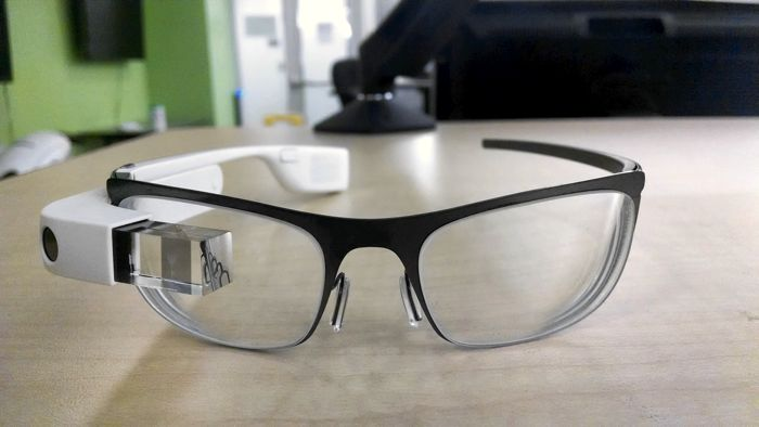 Появиха се снимка на версията на Google Glass с диоптър